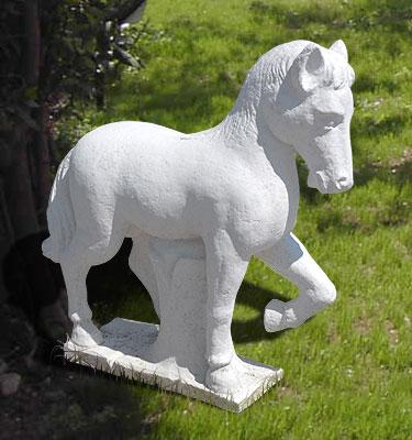 Animali da giardino ornamentali in cemento bianco cavallo for Animali da giardino