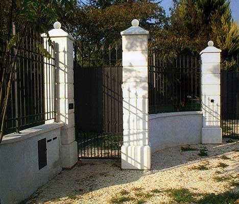 Pilastri in cemento per cancello vendita for Colonne in pietra per cancelli