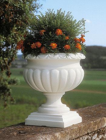 Fioriera etrusca in resina vasi in resina e in plastica for Vasi da giardino in plastica