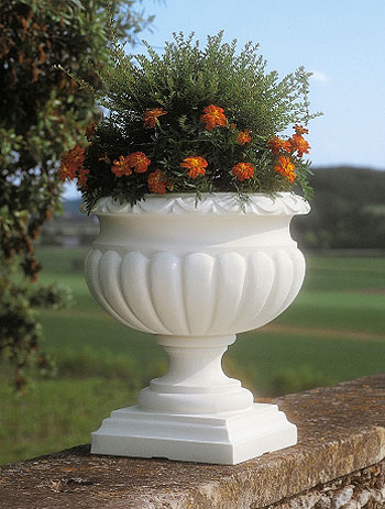 Fioriera etrusca in resina vasi in resina e in plastica - Vasi da esterno design ...