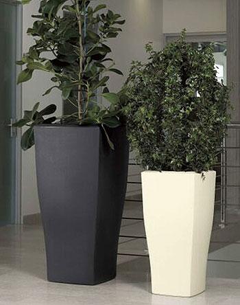 Vaso quadrum in resina vasi in resina e in plastica da for Vasi rossi moderni