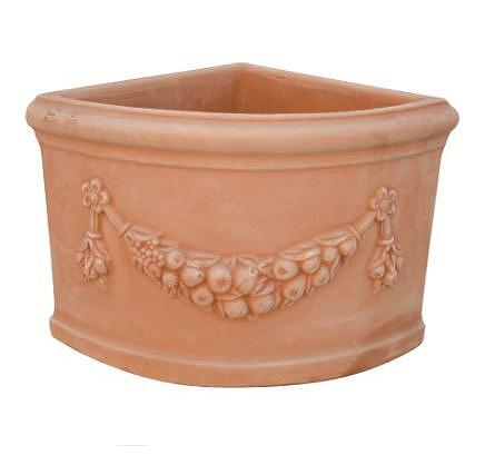Vaso ad angolo festonato in terracotta t24255 mr t24251 mr for Anfore terracotta da giardino
