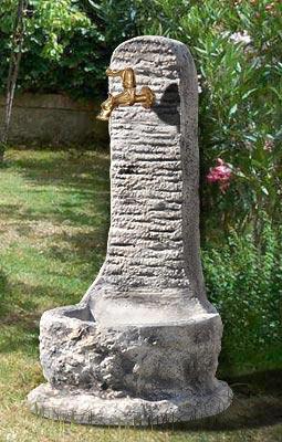Fontane da giardino vedovella in cemento verbania da - Fontane a muro per esterno ...