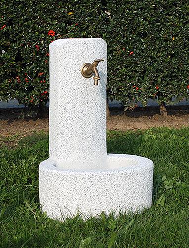 Fontane da giardino vedovella in cemento vicenza da for Fontanelle da esterno